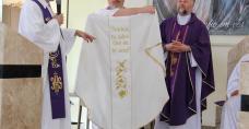 Dar od polski księży - ornat z wizerunkiem św. Piotra